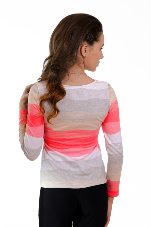 Дамска блуза с дълъг ръкав и чупки