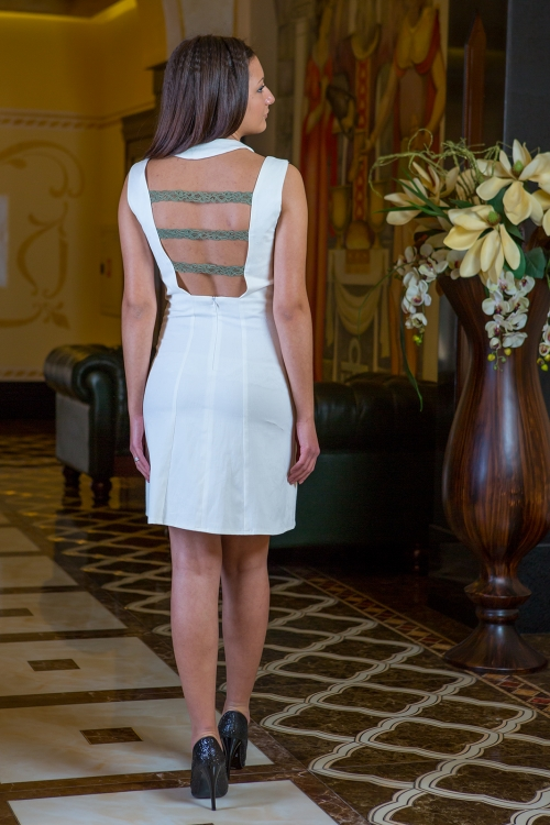 Къса бяла рокля -Мирела 1