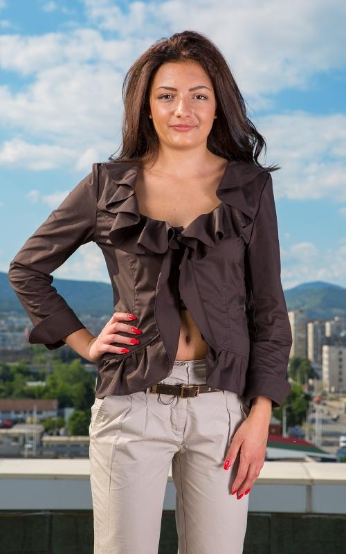 Дамски комплект от сако и панталон