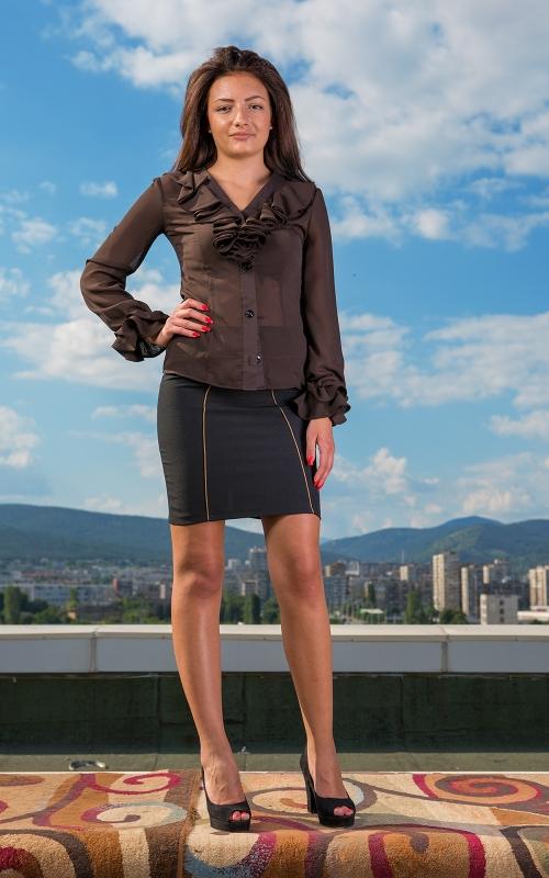 Дамски комплект от къса пола и риза