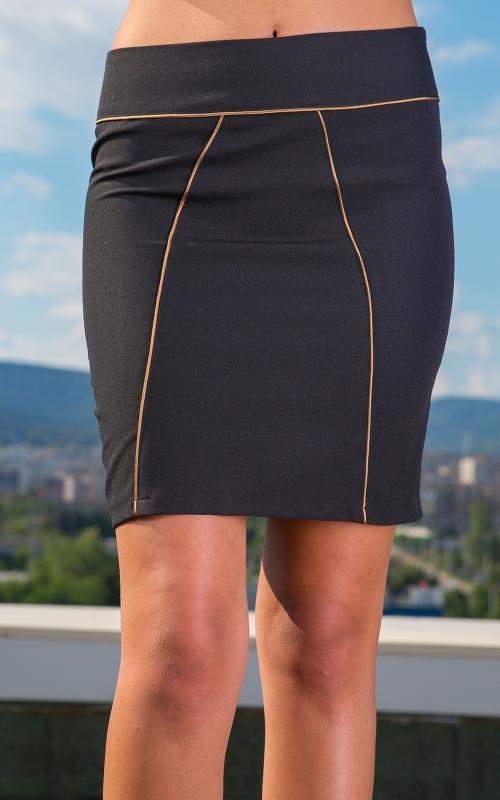 Стилна къса черна пола