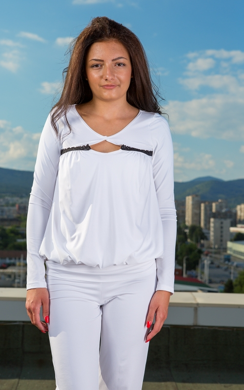 Дамска бяла блуза - туника