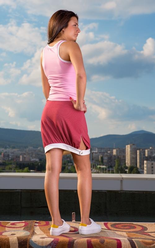 Дамски спортен комплект от къса пола и топ