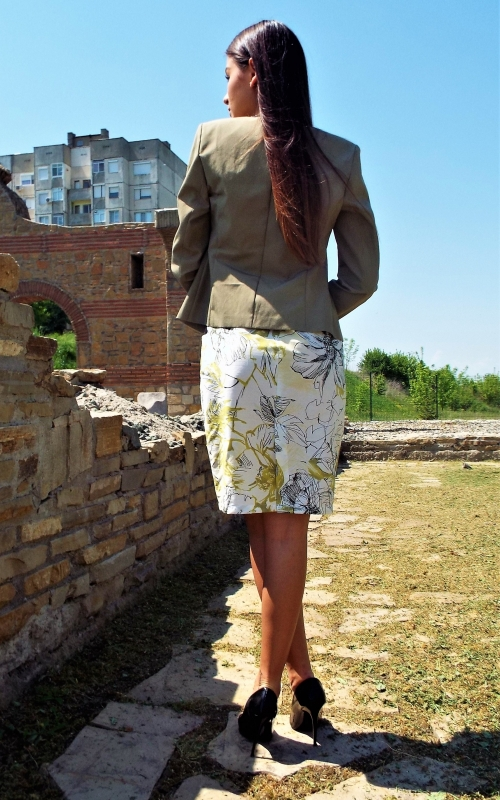Дамско сако с кант