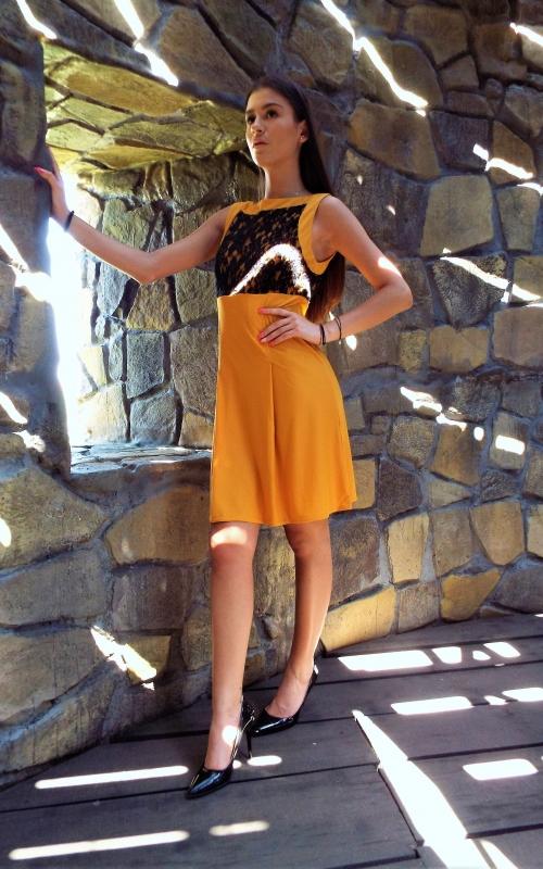Къса рокля с дантела - Клара 2