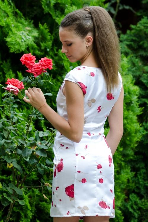 Къса рокля с асиметрично деколте - Кристи