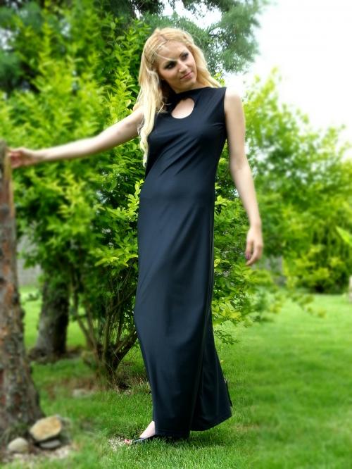 Черна дълга официална рокля с цвете на гърба - Дейзи
