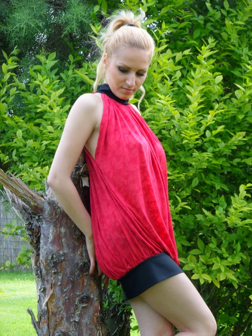 Къса рокля от гравиран памук - Даная