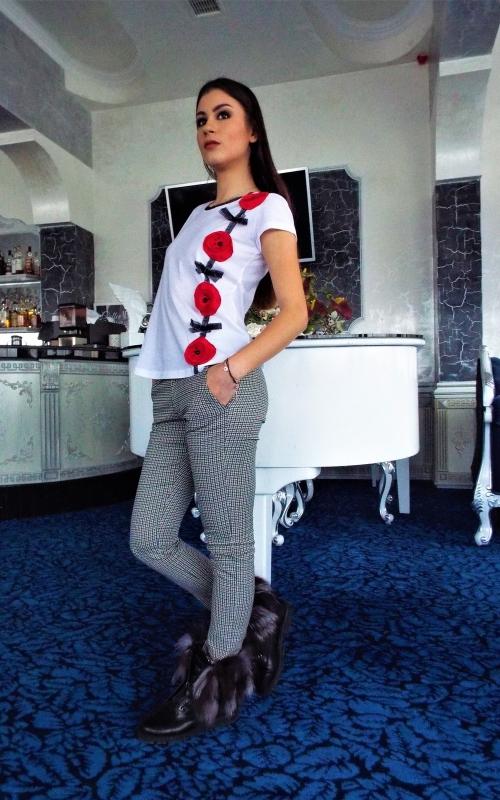 Дамски комплект от дълъг панталон и блуза с къс ръкав