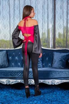 Дамски комплект от клин и блуза с гол гръб