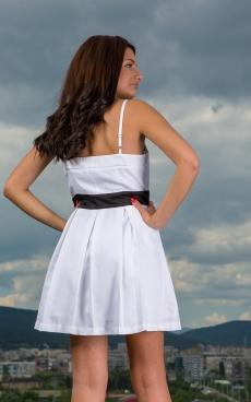 Бяла къса рокля с пандела - Аманда