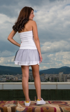Къса бяла спортно - елегантна рокля - Мелани
