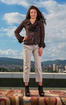 Дамски комплект от панталон и риза
