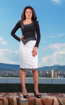 Дамски комплект от пола и блуза с дълъг ръкав