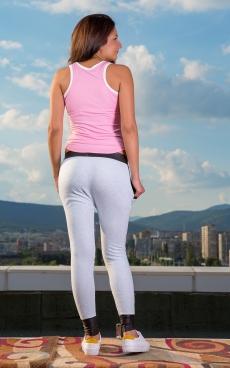 Дамски спортен комплект от панталон и топ