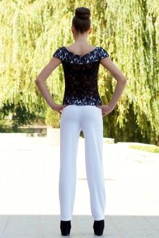 Дамски комплект от бял дълъг панталон и блуза от дантела