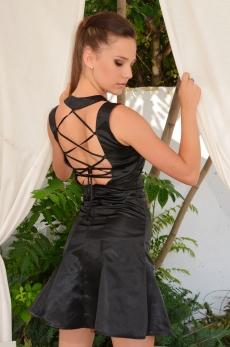 Къса черна рокля с ефектен гол гръб - Мирела