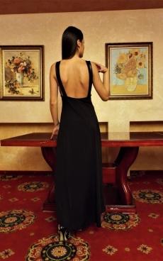 Дълга черна рокля с гол гръб - Верджиния